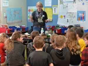 An Educator from Lakewinds Teaches Young Students About the Importance of Healthy, Sustainable Food